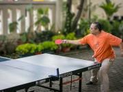 Keseriusan Bapak Pdt. Oktavianus Heri Pn dalam bermain pingpong...